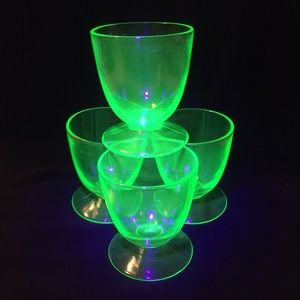 Depression Glass Dessert Cups (4)